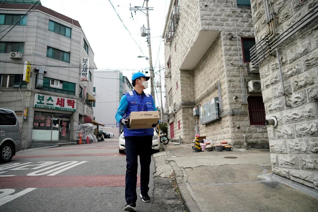 South Korea seeks to import anti-viral remdesivir as new coronavirus cases emerge