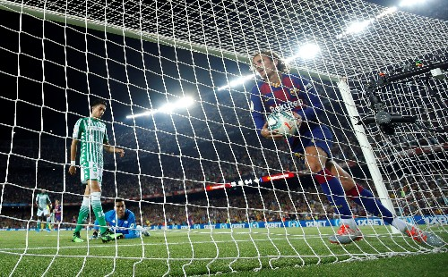 Griezmann double helps Barca back to winning ways