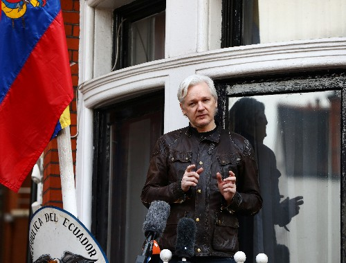 Wikileaks' Assange undergoes medical tests at Ecuador's urging