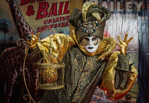 Venice Carnival in Costumes and Masks: Pictures