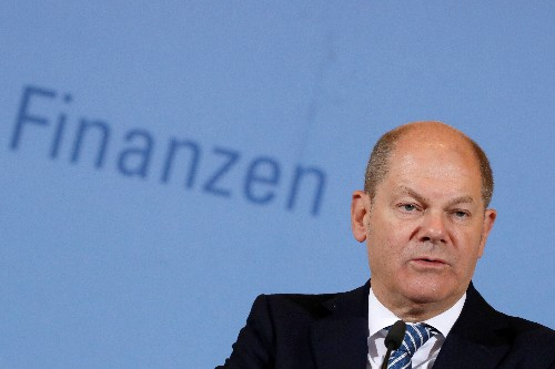 German finance minister expects economy to grow more next year