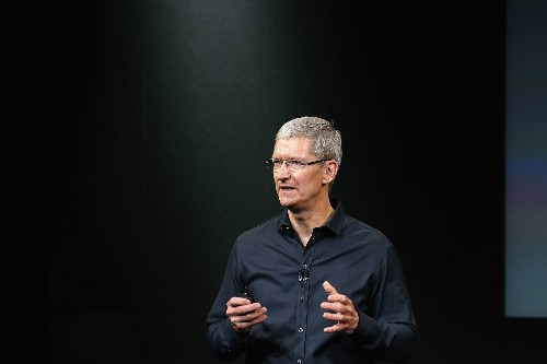 """On """"60 Minutes"""" Apple CEO Tim Cook Bats Away Car Talk, Criticisms Over Tax Picture, Low-Wage Workers"""
