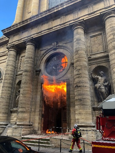 Paris' historic Saint-Sulpice church briefly catches fire, nobody hurt