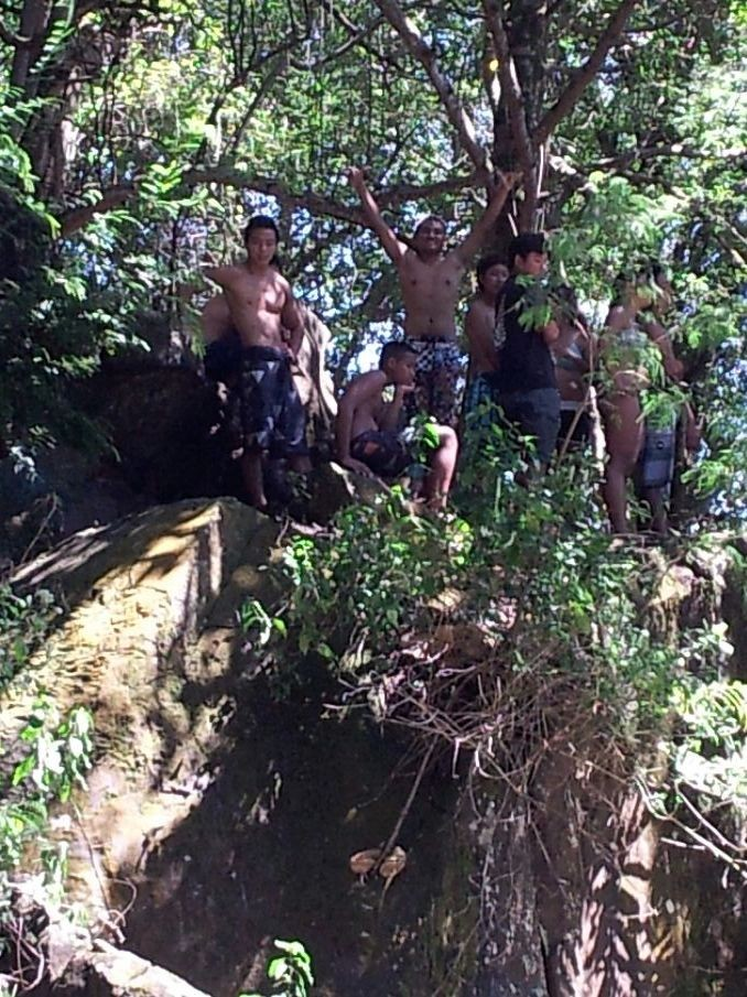 Look at these fools... jumping off cliffs and stuff. Lol. I was too scared to jump.
