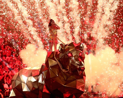 Super Bowl Entertainment: In Pictures