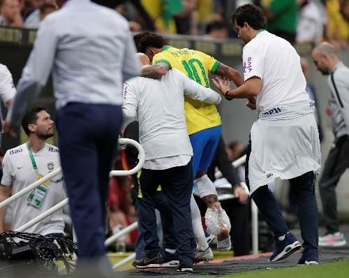 Neymar se queda fuera de la Copa de América por una lesión