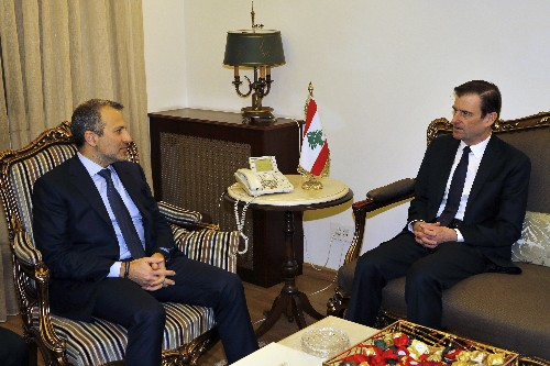 Senior US official vows to counter Iran on Lebanon visit
