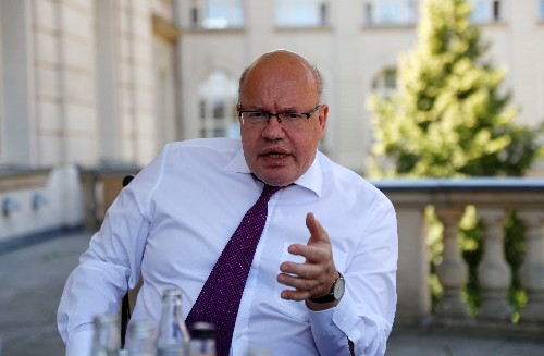 Germany to support three battery cell alliances: economy minister