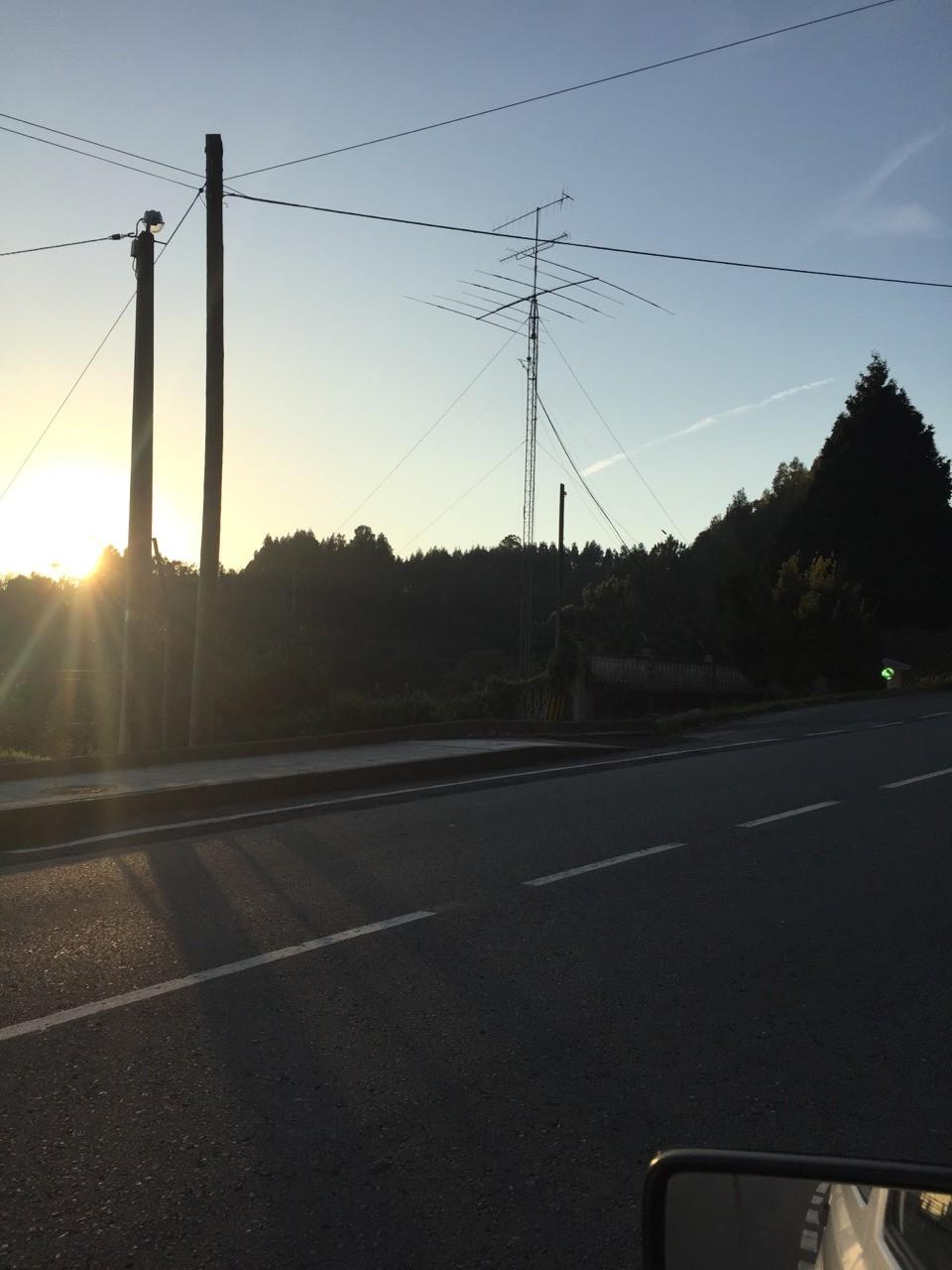 Antigua antena para TV VHF banda I en Valón, Ferrol.