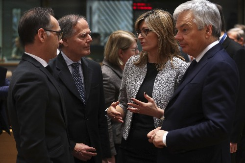 EU eyes ways to bolster Ukraine economy amid Russia tension