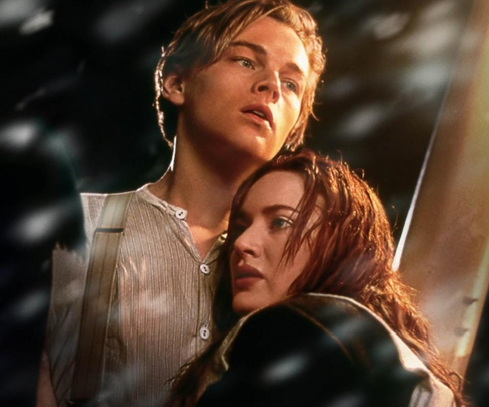 الحياة قاصية بأقدارها لقاء و حب و فراق و أعلم أني لن أكون لك لكنك تبقى آخر حب في حياتي...