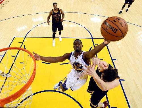Warriors Crush Cavs in Game 2: Pictures
