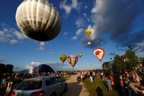 Hot Air Balloon Festival Marks 100 Years of Independence in Lithuania: Pictures