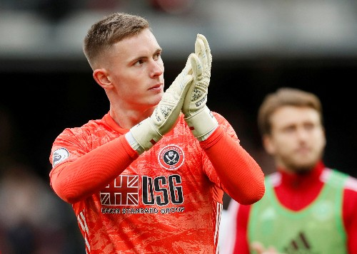 England give first call-up to keeper Henderson as Heaton withdraws