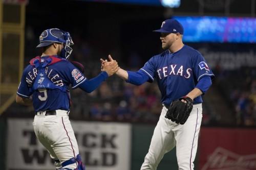 MLB notebook: Rangers RHP Kelley awaits biopsy