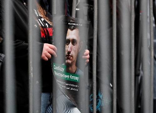 Putin orders Prosecutor General to review protester's conviction