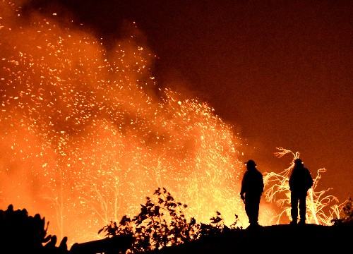 California governor signs bill for $21 billion wildfire fund