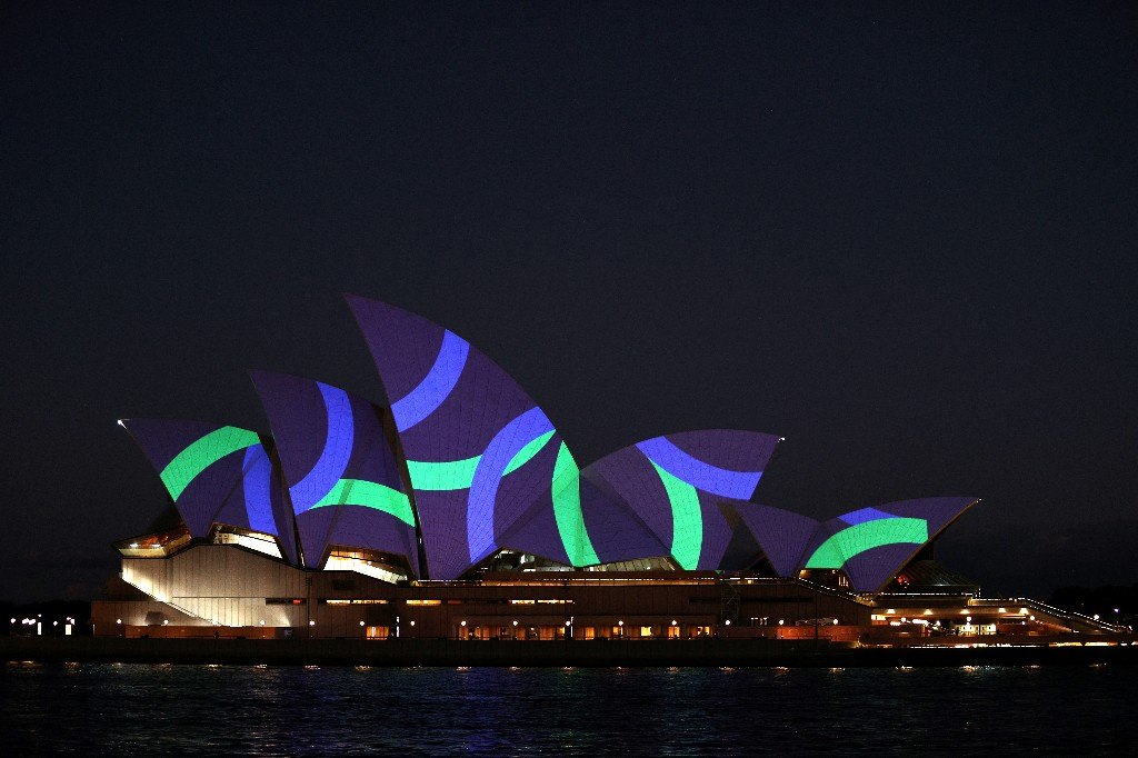 Opera House and Sky Tower light up for Australia-NZ World Cup bid