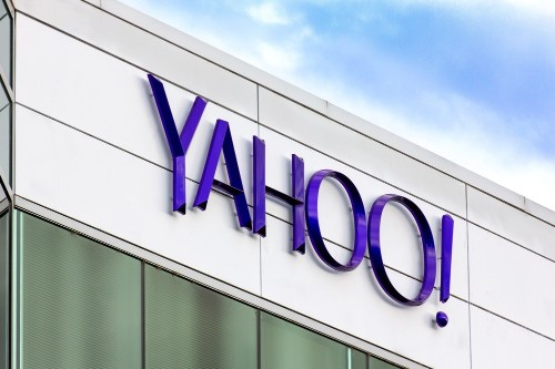 Verizon is close to buying Yahoo assets: sources