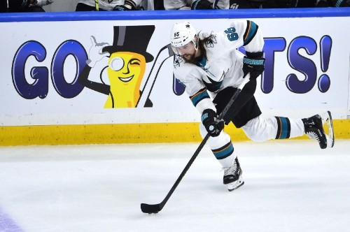 Karlsson, Sharks agree to eight-year contract