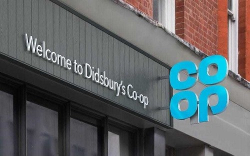 Co-op chairman refuses to rule out injecting more capital into troubled Co-op Bank as chief executive steps down