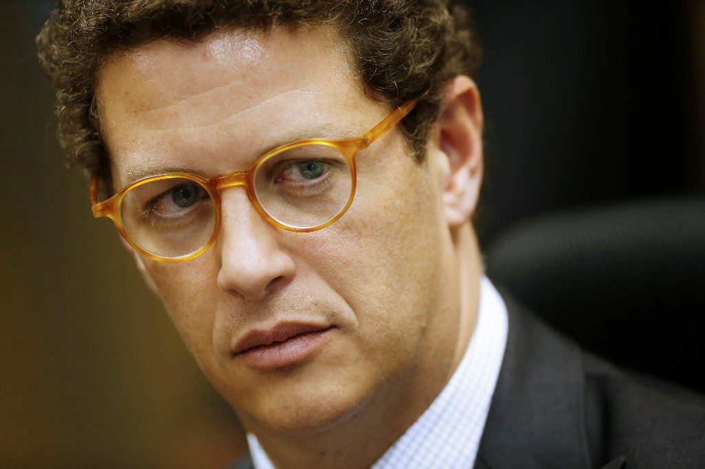 Brazil minister fires analyst who opposed unauthorized wood exports