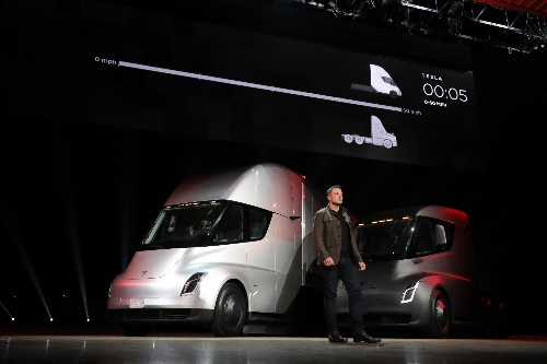 Tesla to help build on-site charging stations for its first Semi customers