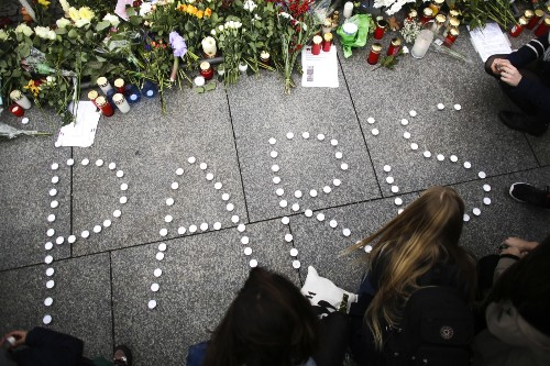 The Morning After the Paris Attacks: Pictures