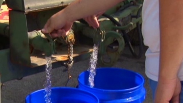 'Water is safe,' mayor says in lifting ban