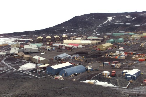 Two technicians die at U.S. research station in Antarctica