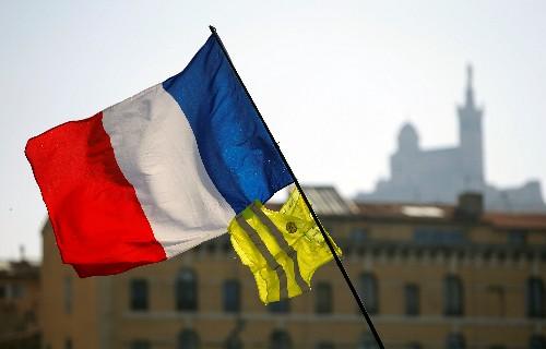 Gilets Jaunes: Près d'un millier de manifestants à Toulouse