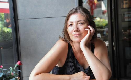 Spotlight: Yazar ve editör Gökçe Gökçeer
