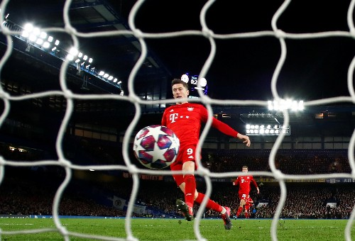 Soccer-Bayern thump Chelsea 3-0 with two from Gnabry