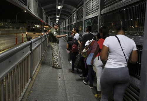 Asylum-seeking Mexicans are more prominent at US border
