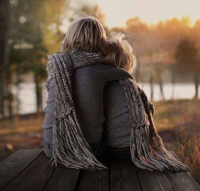 الأشخاصُ الذينَ يعبرونَ حياتكَ خلالَ سنواتِ عُمرك عبروها كي تختبرَ مشاعرك .. وصبرك .. وقوّتك .. لا أحدَ يعبرُ حياتكَ دونَ سبب