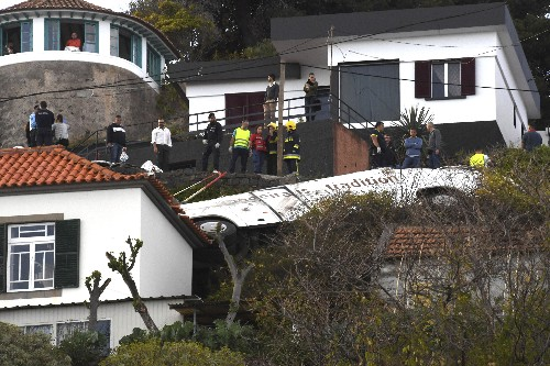 Bus carrying Germans crashes, kills 29 on Portugal's Madeira