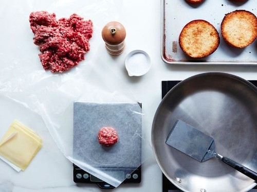 The secret technique that chains like Shake Shack use to make delicious burgers