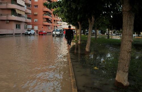 Spanish floods claim sixth victim
