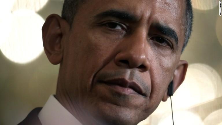 Obama phones Putin as Ukraine on brink