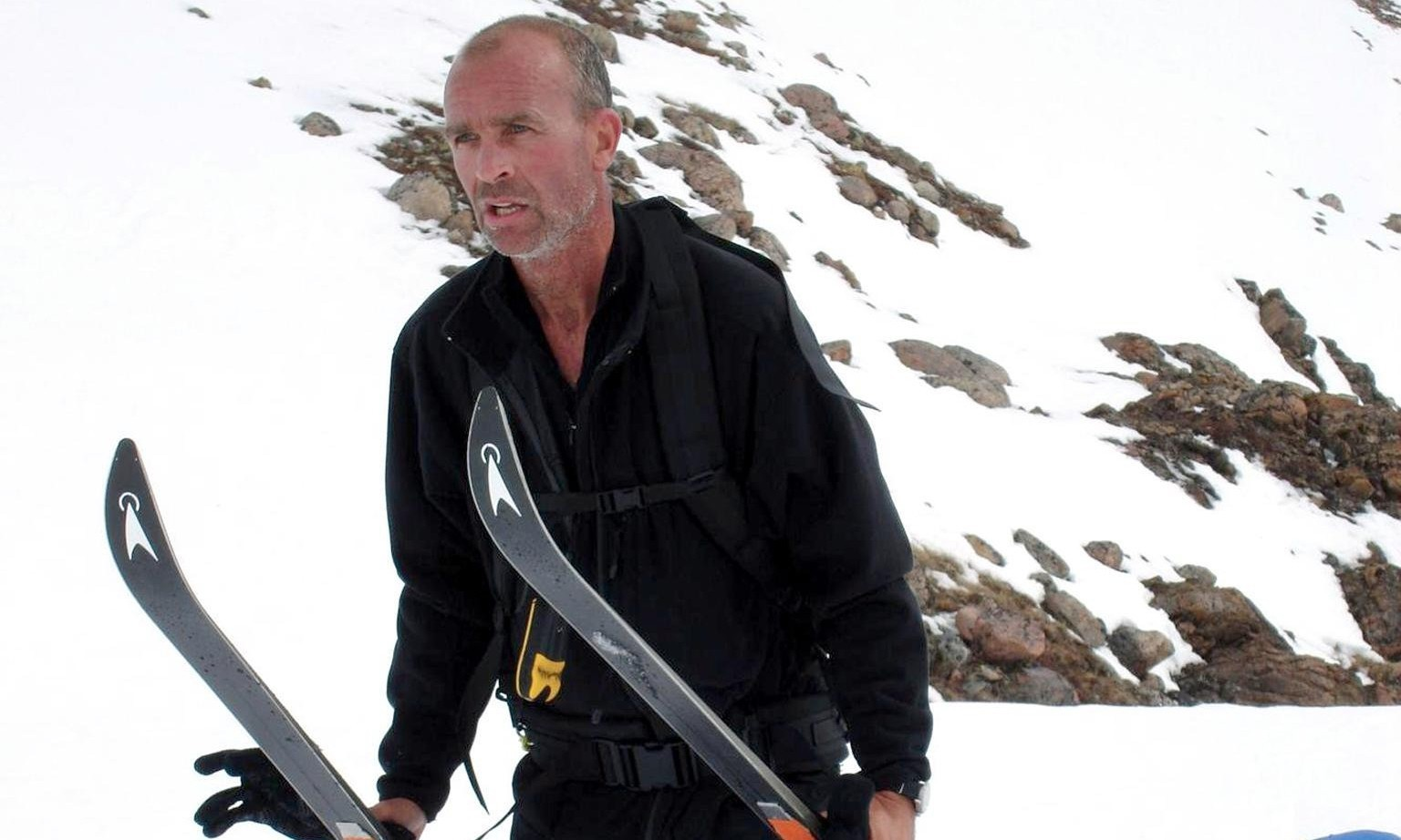 Explorer Henry Worsley dies attempting record unaided Antarctic crossing