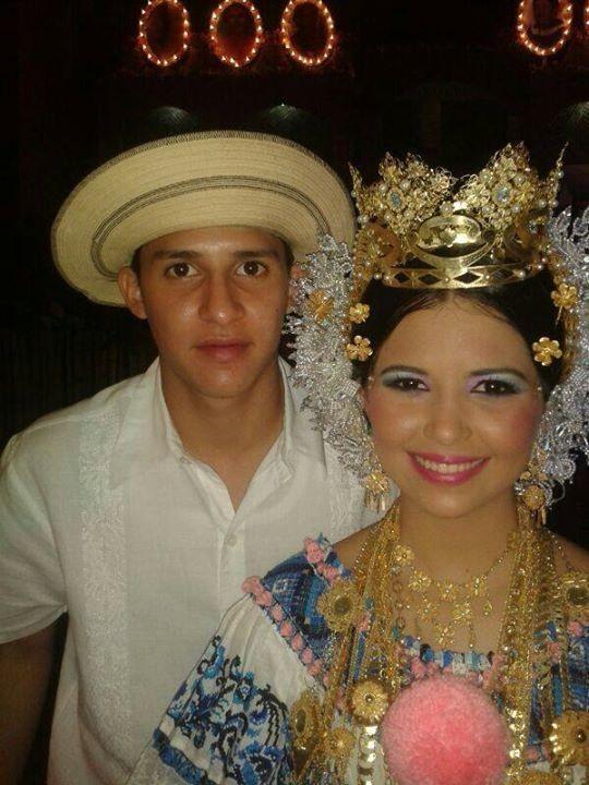 Con mi hermano Victor J Almendas.