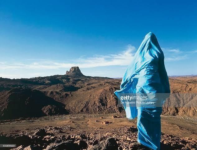 Femme touareg tassili Algeria