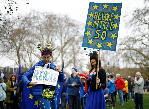 Wheat fields and underpants: Brexit satire lampoons British leaders on huge march