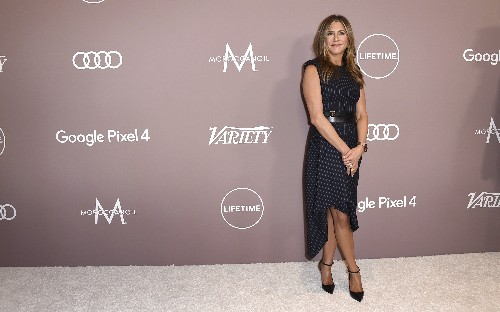 Jennifer Aniston, Mariah Carey honored at women's event