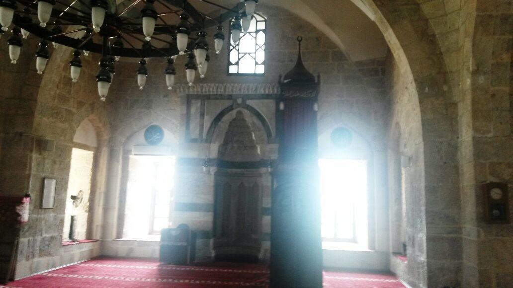 Sarı Selim Cami. Hatay-Payas. Gerçekten Tarihi Camilerin Atmosferi Başka.