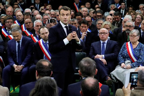 Launching national debate, Macron makes another faux pas about the poor