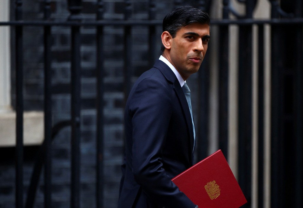 UK's Sunak says he will look at quirk of potential pensions leap