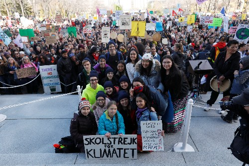 Thunberg rally in Canada's energy heartland runs into oil and gas counter-protest