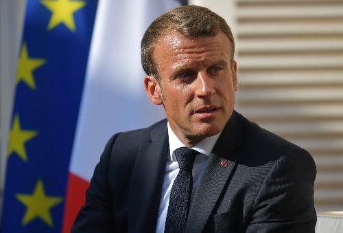 """G7: Macron juge """"pertinent"""" un retour de Moscou mais pas sans conditions"""