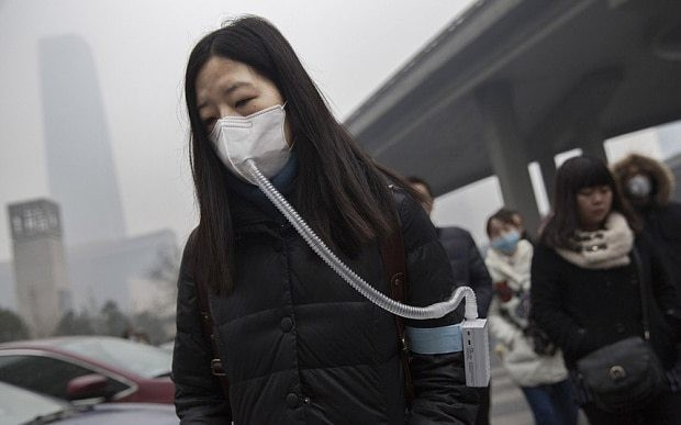 Chinese buy up bottles of fresh air from Canada